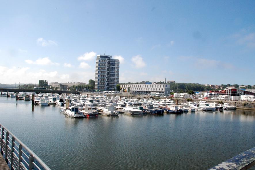 bassin Frédéric Sauvage du port de plaisance de Boulogne sur mer
